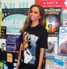 Jade Thirlwall en Tee shirt Givenchy