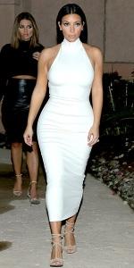 Kim Kardashian en robe Torn by Ronny Kobo