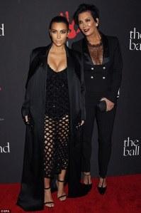 Kim Kardashian en robe Balenciaga